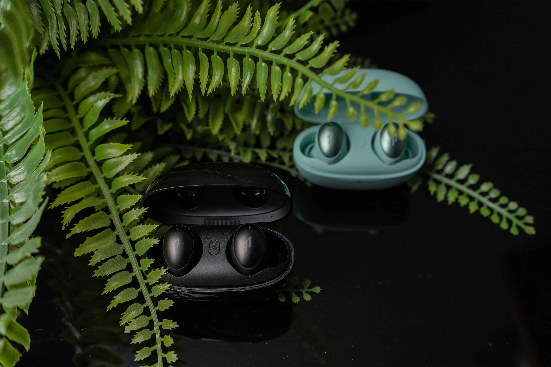 時尚外觀,羽量級輕巧配戴 1MORE ColorBuds新時尚豆真無線藍牙耳機